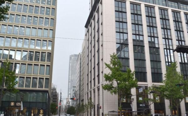 三菱UFJ銀行大阪ビル 本館の大壇歩道を渡るとアイ株式スクールまで3分